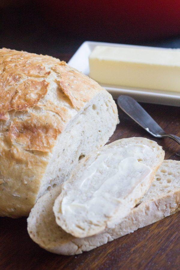 easy dutch oven bread, dutch oven bread, no knead bread, no-knead bread, quick dutch oven bread, quick bread, easy bread, Italian bread, italian dutch oven bread