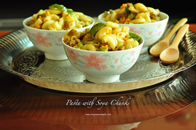 Pasta with soya chunks