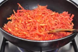 carrot halwa 4 - cook till moisture evaporates