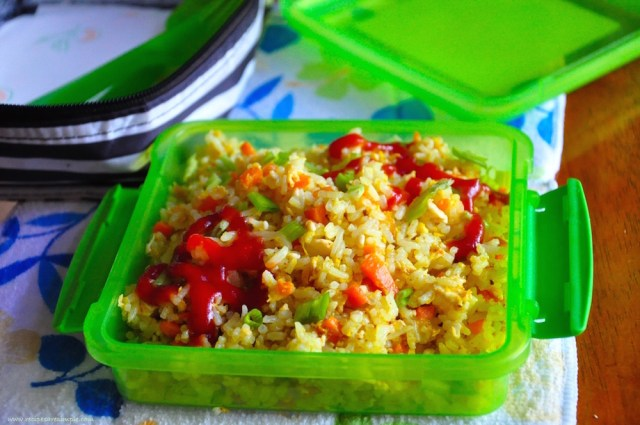 kids lunch box recipe - esy carot and turmeric fried rice