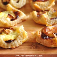 brie and jam puff pastry bite size