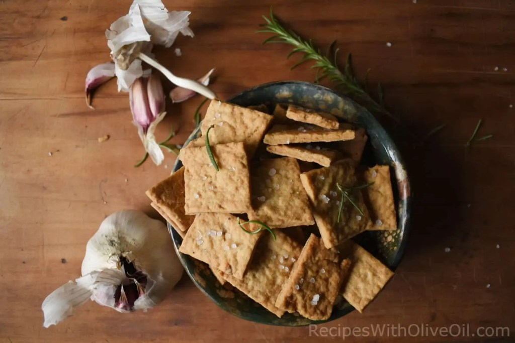 crackers with olive oil and garlic