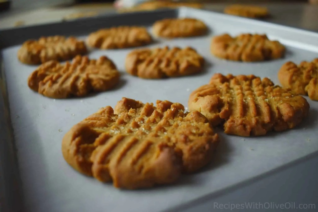cinnamon spiced cookies with honey and olive oil