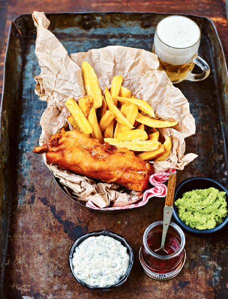 FISH & CHIPS WITH HAKE FILLET
