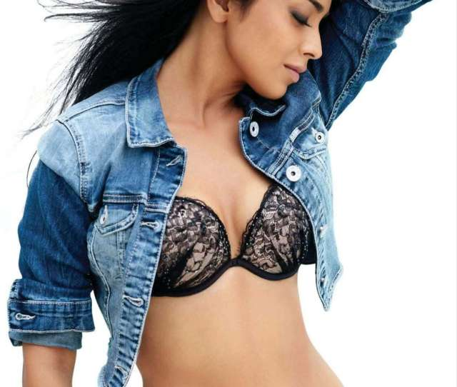 Shriya Saran Hot Photo