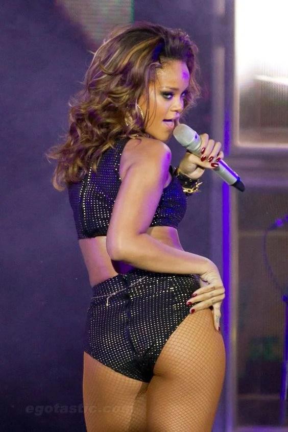 15 Hot Amp Spicy Photos Of Rihanna Queen Of Pop Reckon Talk