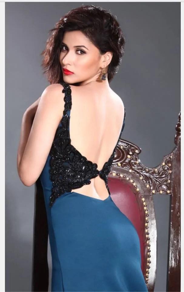 15 Hot  Spicy Photos of Mannara Chopra  Reckon Talk