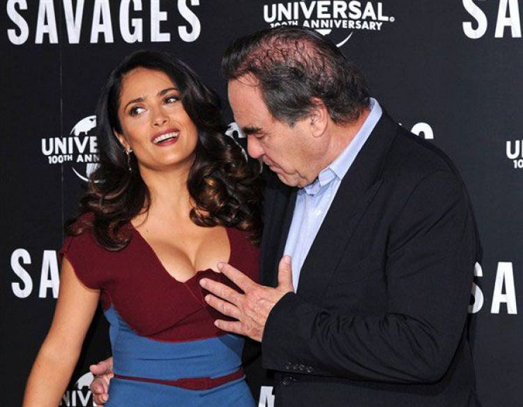 hot, babes, cleavage, embarrassing moments pictures, caught on camera, awkward photo, photobomb