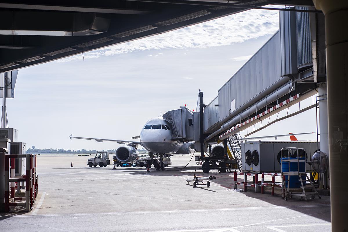 avión de iberia que sale con retraso incumpliendo los derechos de los pasajeros. foto de reclamador.es