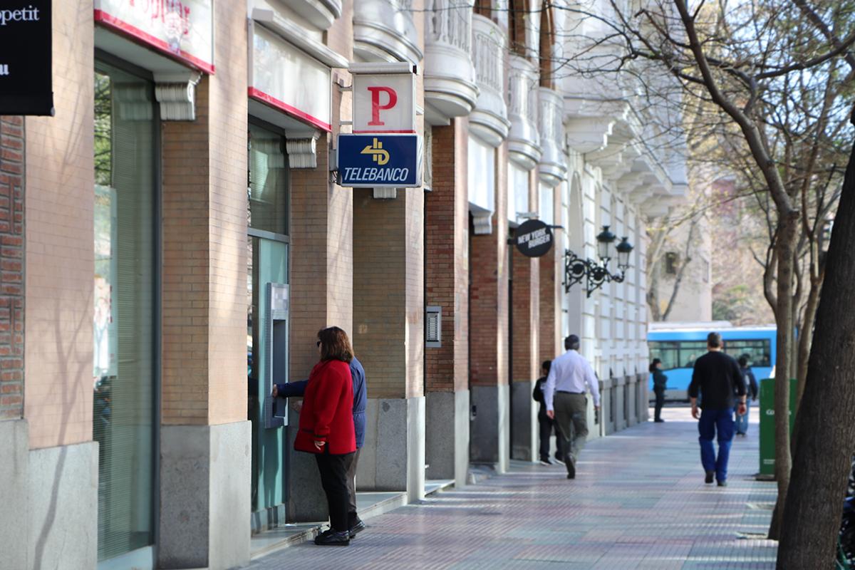 foto del banco popular, que comercializó hipotecas con cláusula suelo. foto de reclamador.es