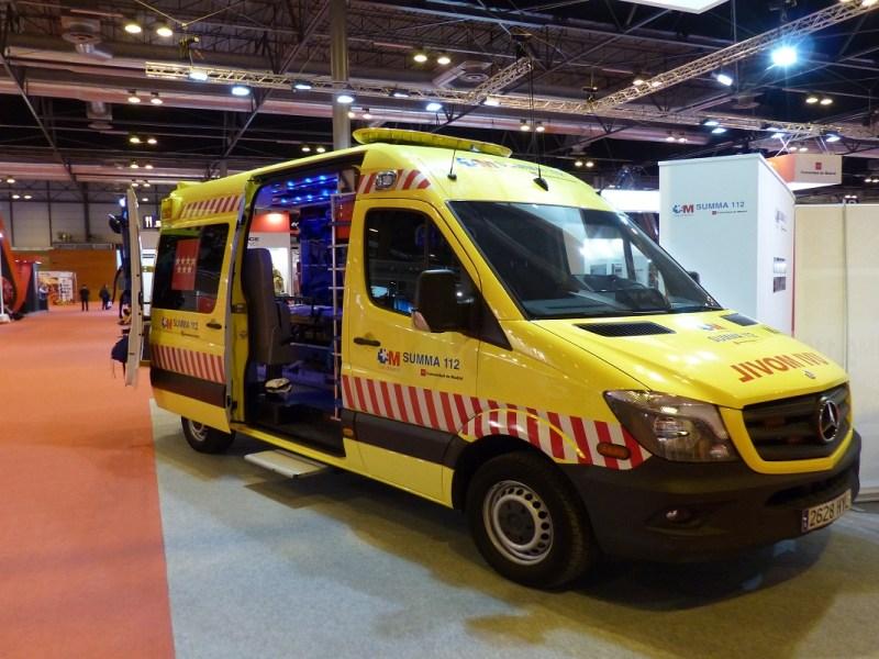 ¿Qué tipos de ambulancias existen y qué requisitos deben cumplir?