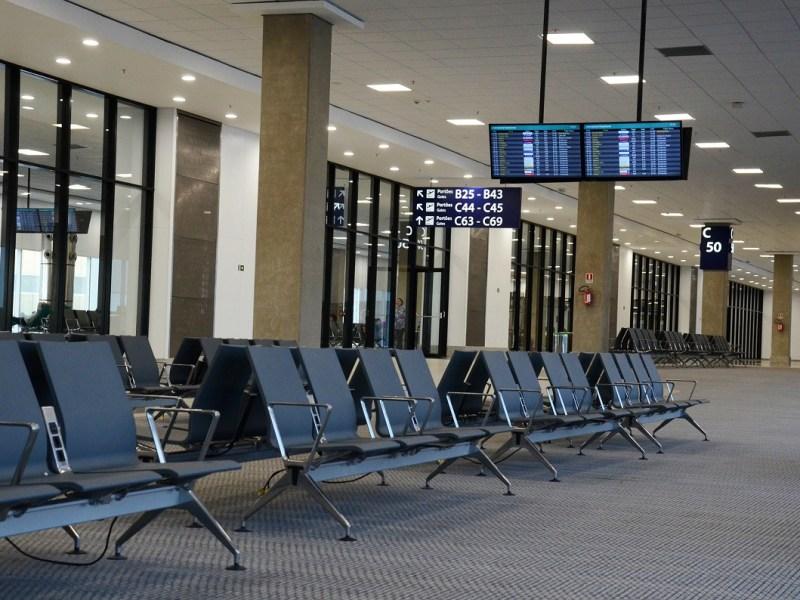 Dormir en el aeropuerto: ¿una odisea?