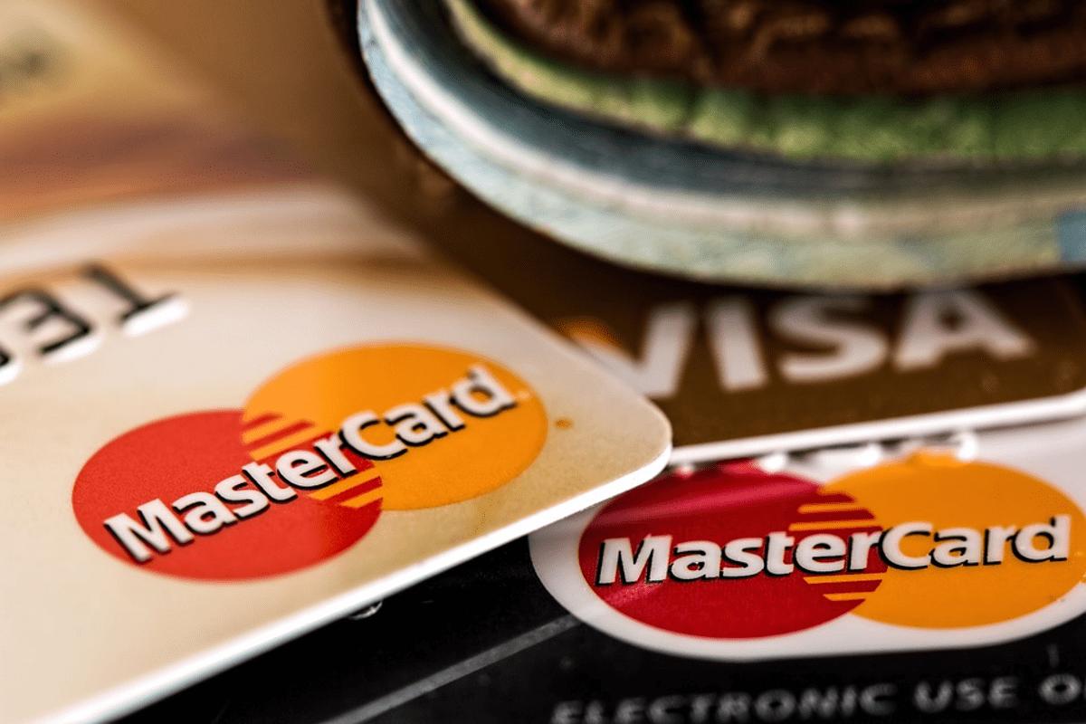 Tarjetas de crédito VISA para ilustrar artículo sobre los seguros de las tarjetas