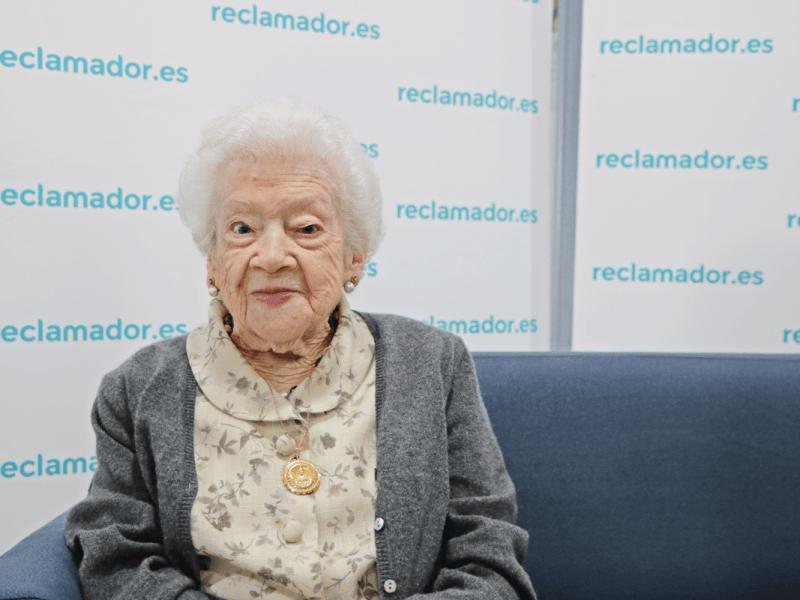 Así es Carmen Cano, la clienta más longeva de reclamador.es, con 99 años