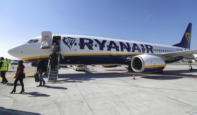 Un pasajero sembró el pánico en un vuelo de Ryanair