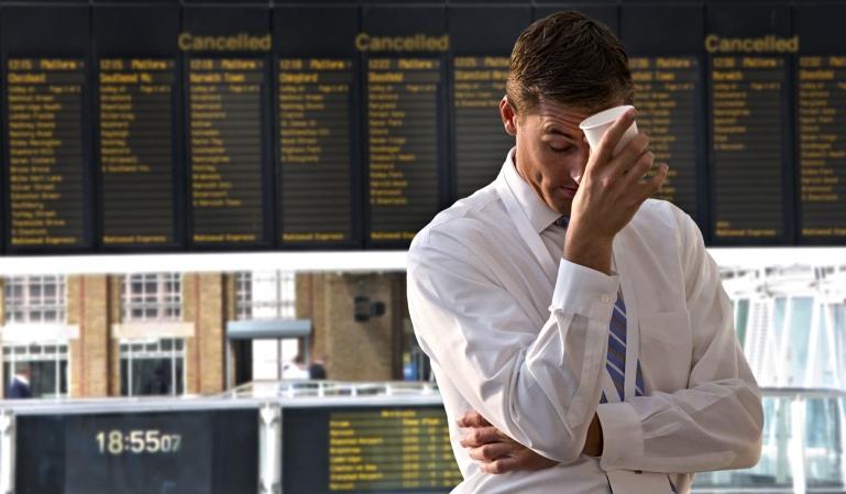 Pasajeros de Ryanair sufren 24 horas de retraso