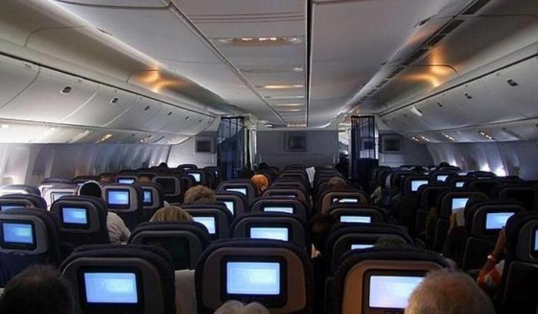 ¿Está limpio el aire de la cabina de los aviones?