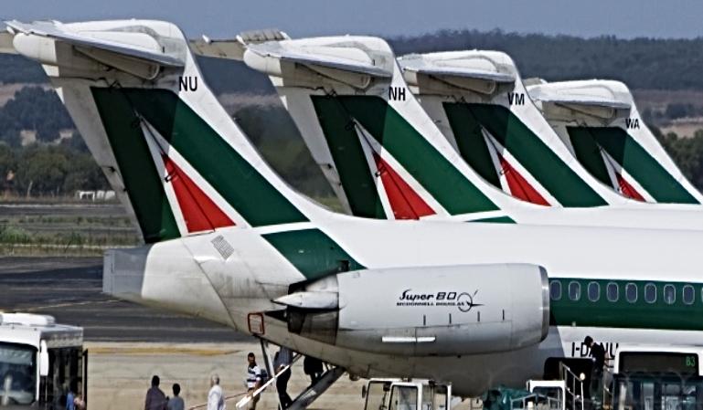 Alitalia cancela vuelos internacionales desde Milán