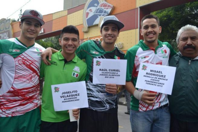 Los boxeadores mexicanos se unieron para pedir apoyo