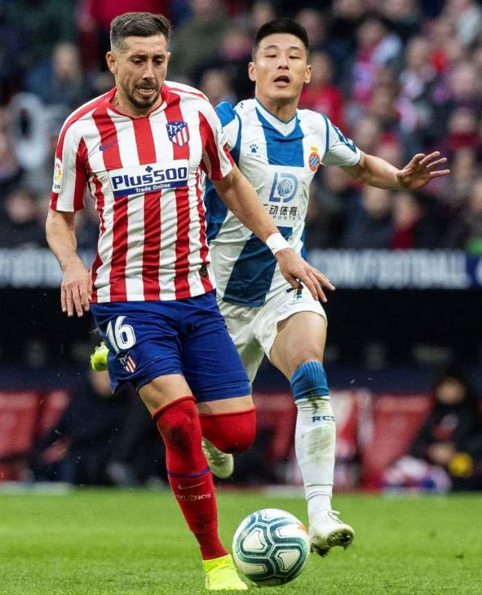 Hector Herrera handling the ball in the match between Atletico de Madrid and Espanyol