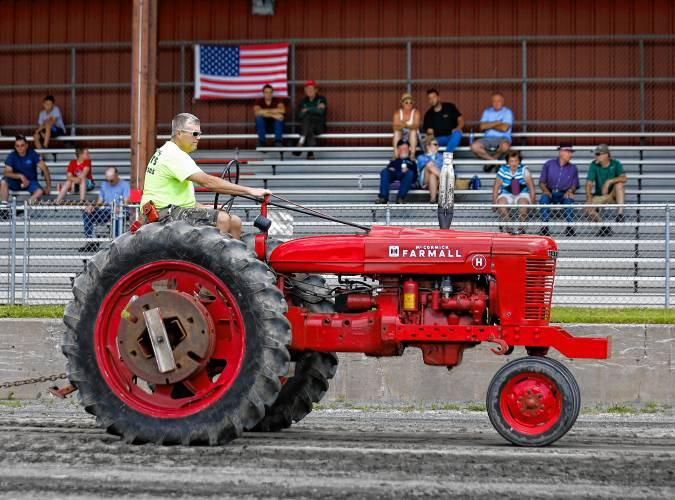 Searching for the perfect tractor for your farm or construction project is no easy task. The Recorder Antique Tractor Show Old Things That Are Still Working