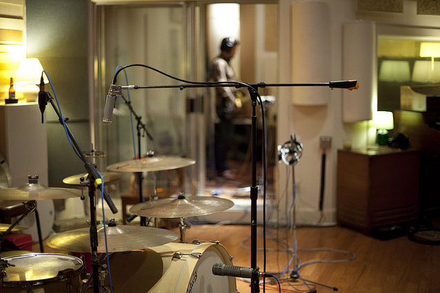 why a mono drum overhead is awesome recording revolution. Black Bedroom Furniture Sets. Home Design Ideas