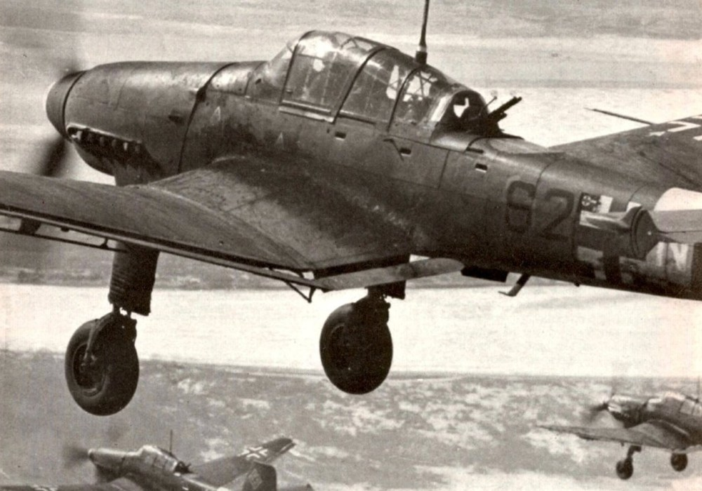 medium resolution of junkers ju 87 b r stuka wwii dive bomber airfix 1 72 scale