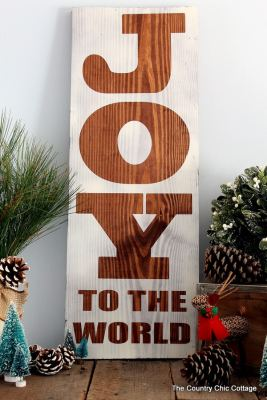 make-this-rustic-wood-sign-for-christmas-006
