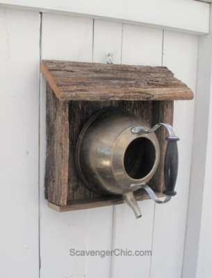Teakettle-birdhouse-with-reclaimed-wood-007