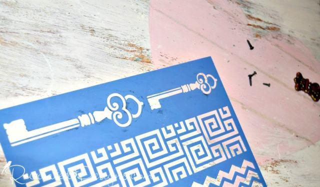 adding a stencilled key to Valentine art
