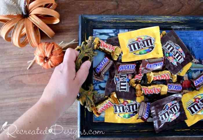 handy Halloween tray