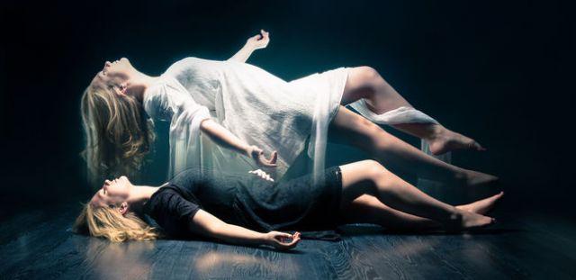 Resultado de imagen de alma saliendo del cuerpo