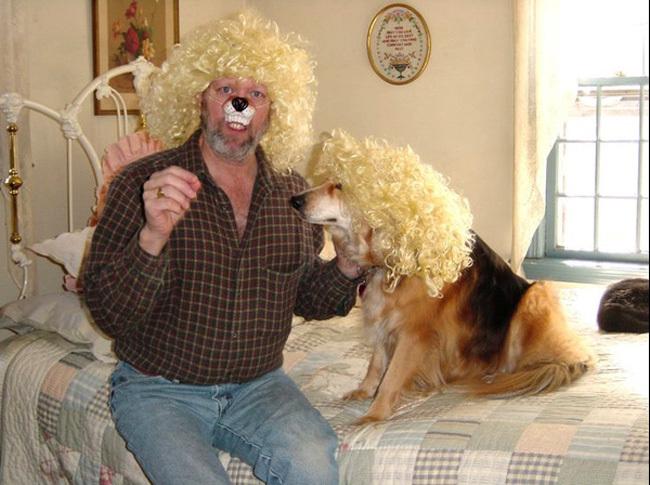 se disfrazo de su perro