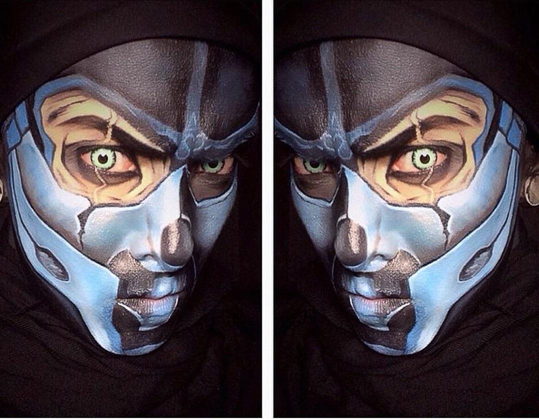 Argenis Pinal se convierte en superhroe con maquillaje