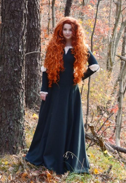 Chica De 18 Aos Recrea Vestidos De Princesa Hechos A Mano