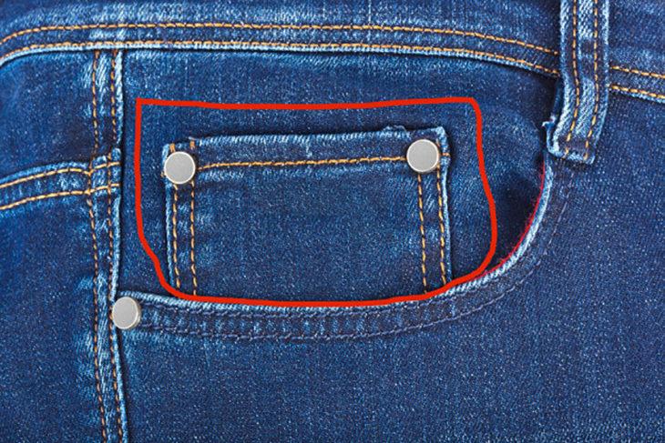 bolso pequeño en pantalones