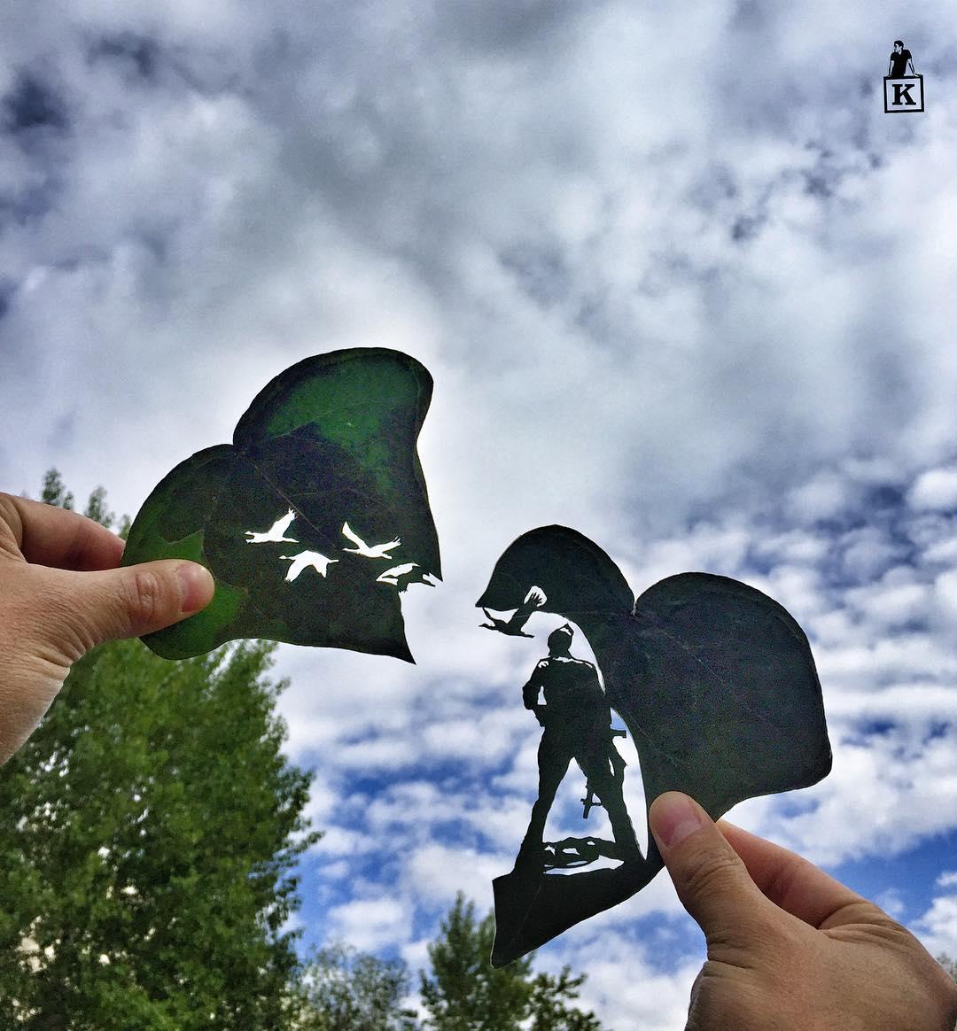 Artista crea dibujos en hojas de arboles con solo una navaja