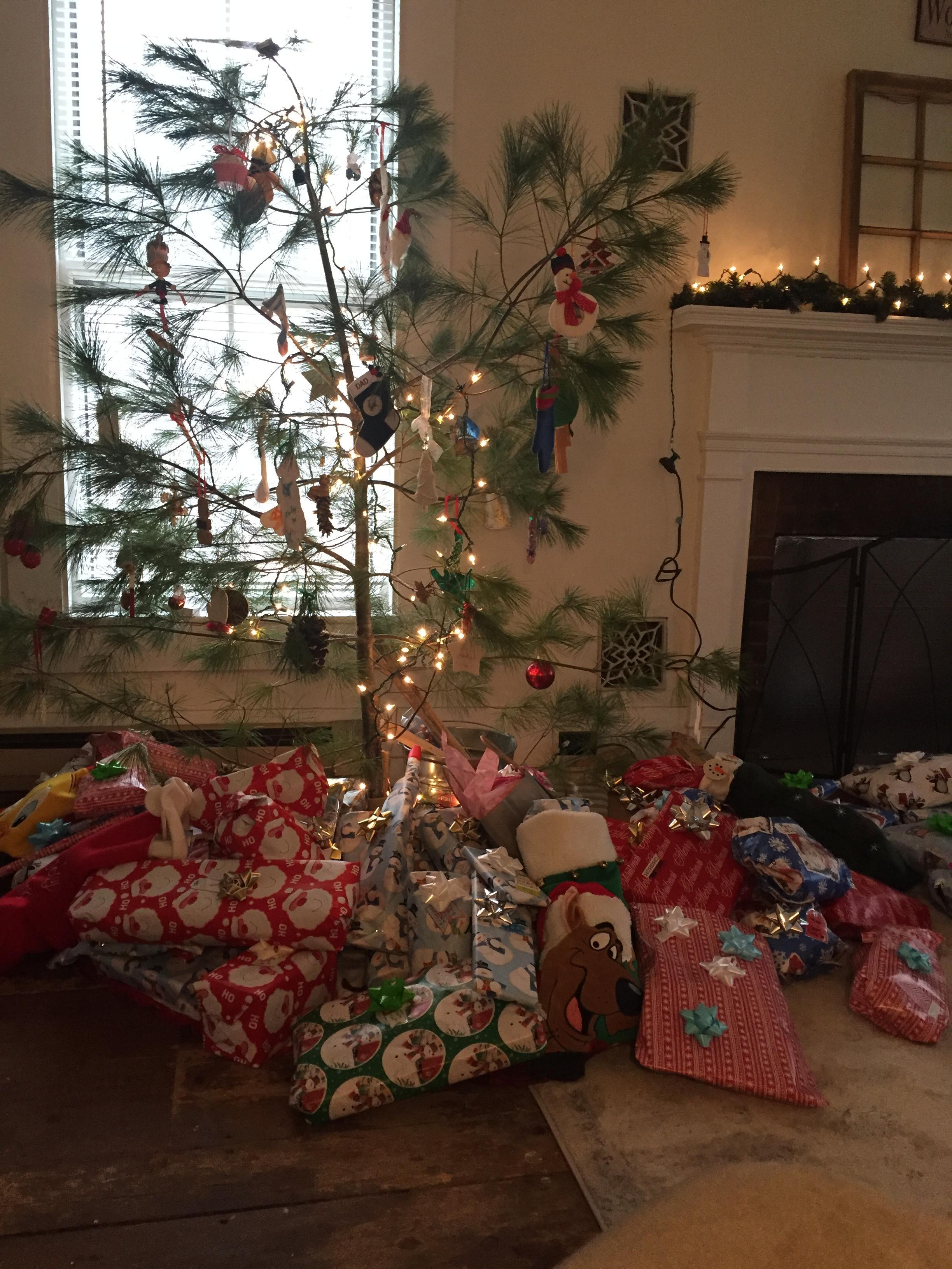 21 decoraciones navideas ideales para todos los Grinch
