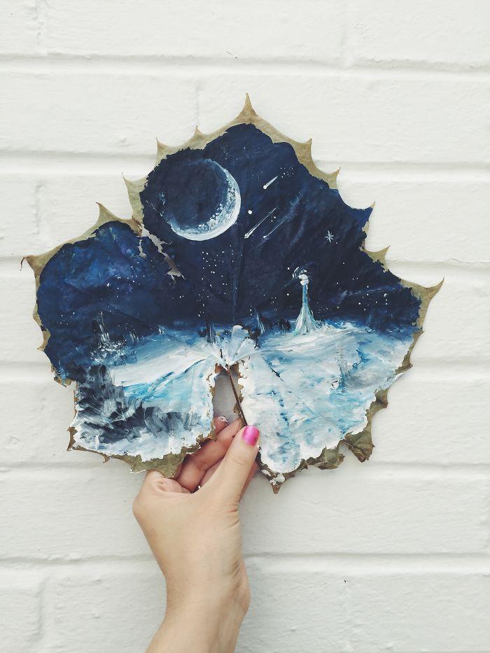 Esta artista hace obras de arte en hojas de rboles cadas