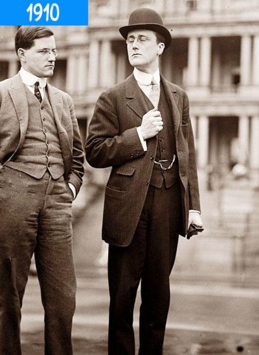 dos hombres en traje en 1910