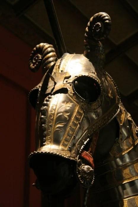 Armadura medieval para caballo