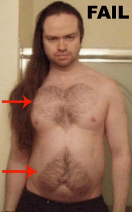 hombre con 2 corazones en el pecho hechos de sus bello corporal