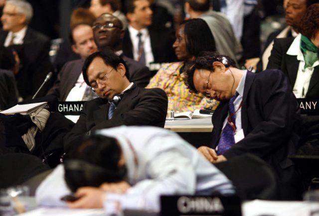 diputados durmiendo