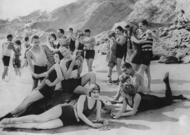 Fiesta en la playa de California en 1930
