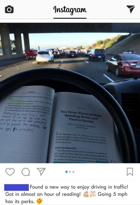 imagen de libro y volante