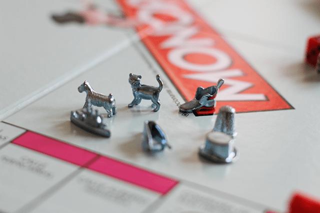 monopoly prendas juego