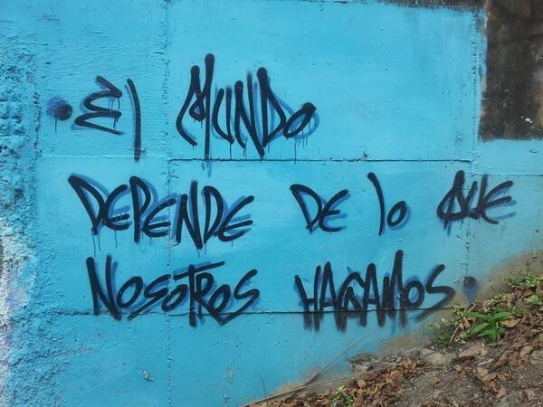azul fondo acción poetica muros creativos