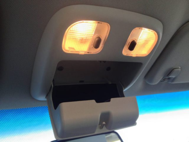 porta gafas del carro