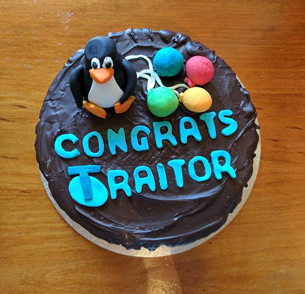felicitaciones traidor pastel
