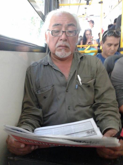 Sr. Miyagui en el transporte público